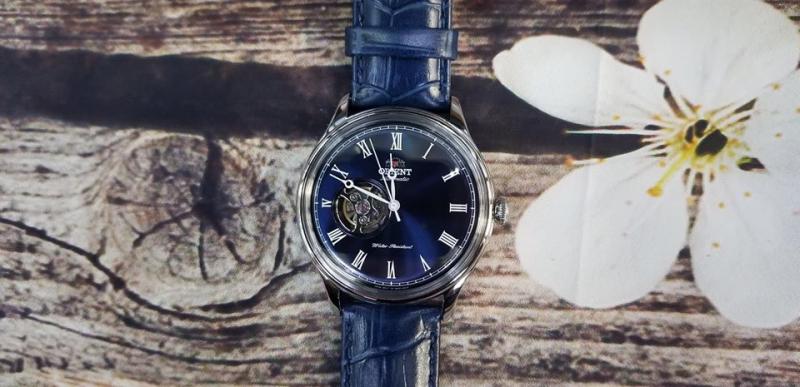 TOP 10 shop đồng hồ nam omega ở TPHCM : Omega được biết đến là thương hiệu đồng hồ thời trang cao cấp đến từ Thụy Sỹ. Đẳng cấp của chiếc đồng hồ Omega được thể hiện qua các mẫu đồng hồ duy nhất được 6 lần đáp lên mặt trăng và sử dụng để khám phá biển xanh sâu thẳm. Không những vậy, sự nổi tiếng của những chiếc đồng hồ Omega còn đến từ những diễn viên điện ảnh, nghệ sĩ nổi tiếng trên khắp thế giới sử dụng thương hiệu đồng hồ nàyhttp://TOP 10 shop đồng hồ nam omega ở TPHCM