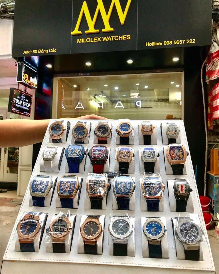 """TOP 10 shop đồng hồ nam chính hãng ở TPHCM : Người ta vẫn nói chỉ có thời gian là vĩnh cửu, mọi thứ trên thế giới này có thể lụi tàn hoặc thụt lùi chỉ có thời gian là không bao giờ phai mờ. Chính vì vậy hãy trân trọng thời gian mình đang có bằng một chiếc đồng hồ chính hãng. Nếu bạn là nam hãy đeo đồng hồ giúp bạn kiểm soát thời gian và là phụ kiện để khẳng định địa vị. Nếu bạn là phái đẹp thì đồng hồ sẽ là phụ kiện thời trang sành điệu nhất dành cho bạn. Tuy nhiên mua được một sản phẩm chính hãng không phải là việc dễ dàng khi thị trường """"thật giả lẫn lộn"""" quá nhiều. Hãy cùng toplist điểm danh một số cửa hàng chuyên các sản phẩm chính hãng tại Tp HCM nhé.http://TOP 10 shop đồng hồ nam chính hãng ở TPHCM"""